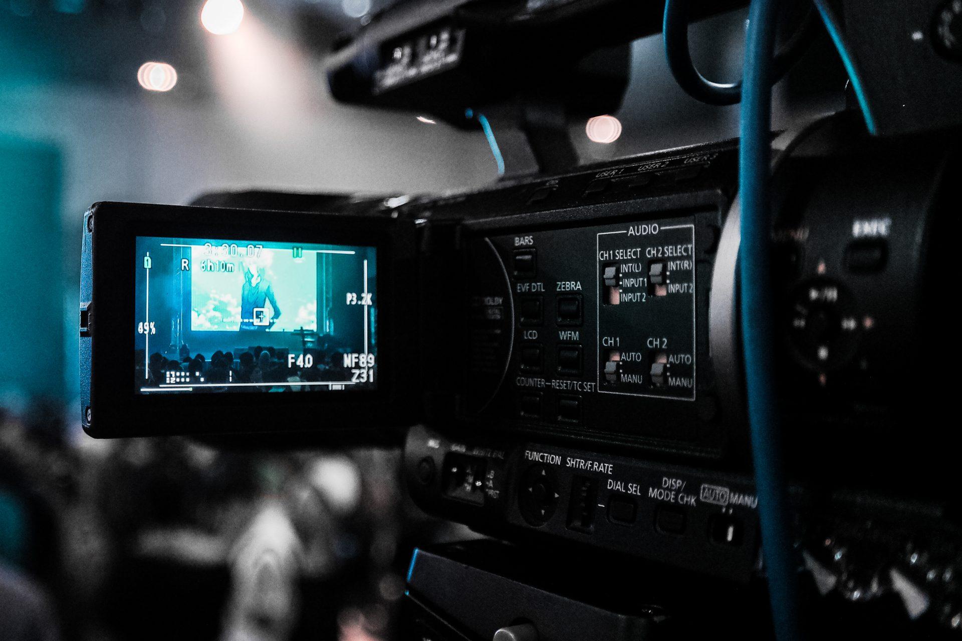 Video predstavitev podjetja ali storitve na spletu.